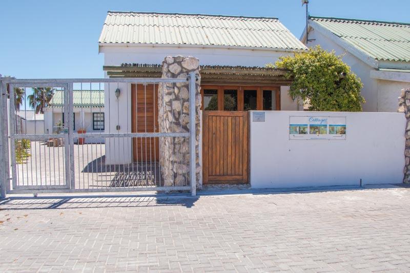 kite-quarters-cottages-lemon-studio-exterior