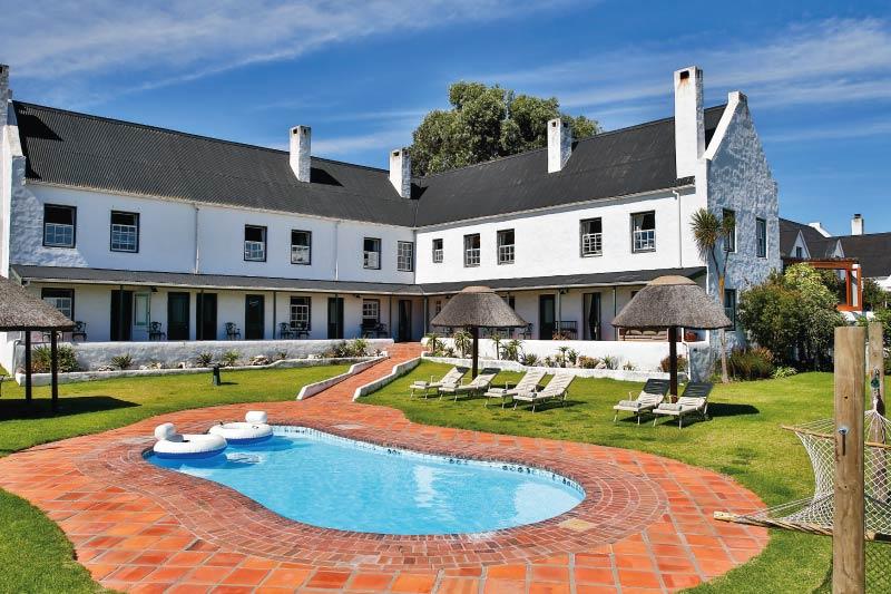 the-farmhouse-hotel-pool-2
