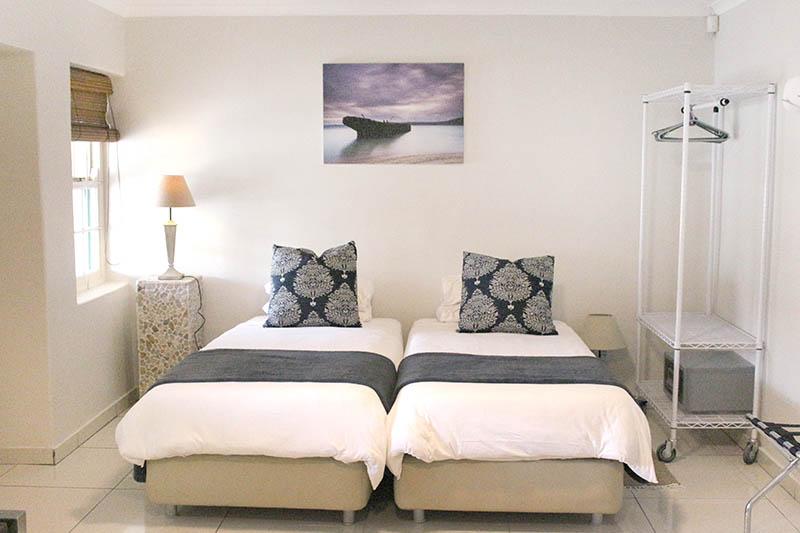 thyme-studio-cottage-bedroom
