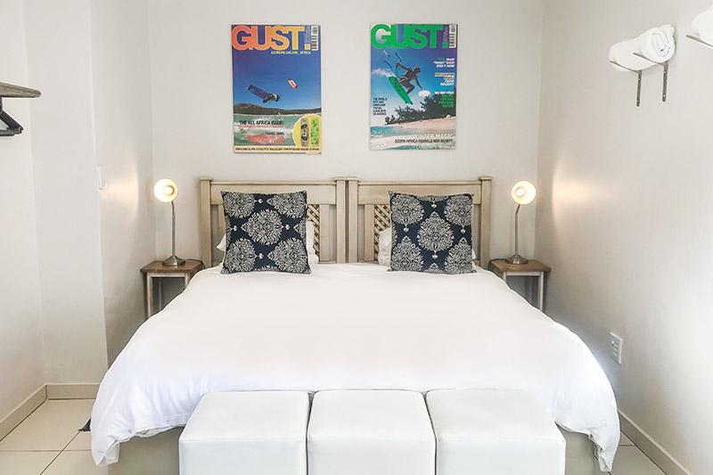 mint-crash-pad-bedroom-02